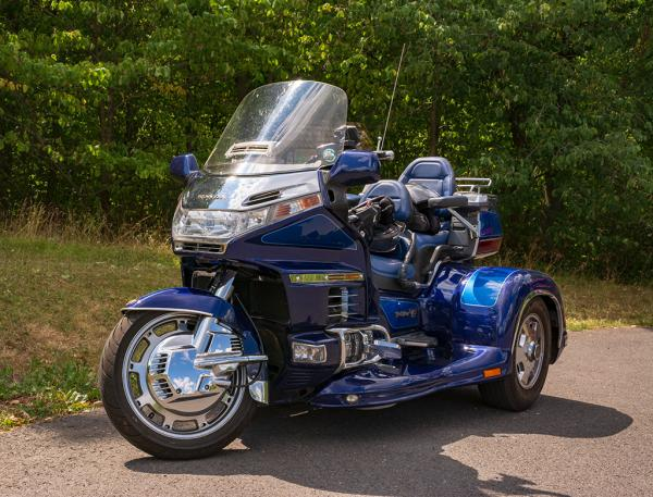 goldwing_gl_1500_trike_01
